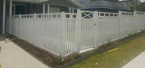 Lyhart White-Residental-Fence
