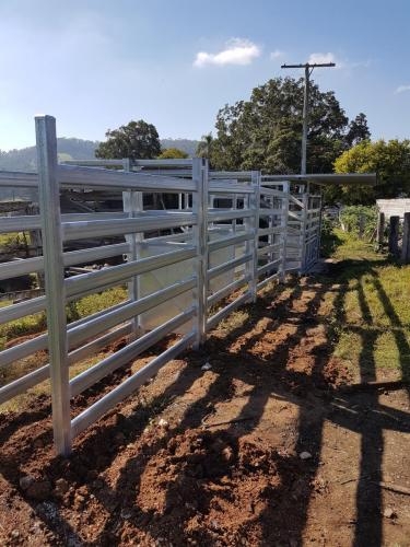 Lyhart build Cattle-Rail
